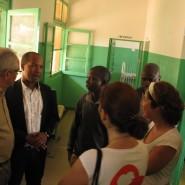 11 - No hospital de Catió com O Diretor-Geral   do Sistema de Saúde   Van Hanegem Menezes Moreira